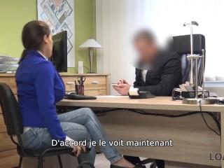 LOAN4K Employé de banque impatient de voir ses clients énormes faux seins
