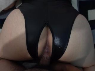 Hermosa Latina 18 years old masturbacion con su dildo y pide verga en su enorme culo blanco