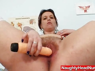 Unpretty ripe medic fingering pussy in addition to gyno inst