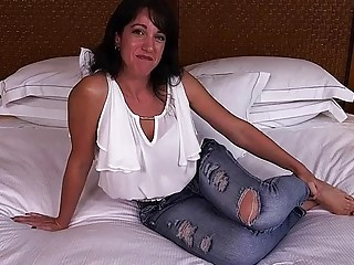 Jaymee - Innocent MILF next door tries porn