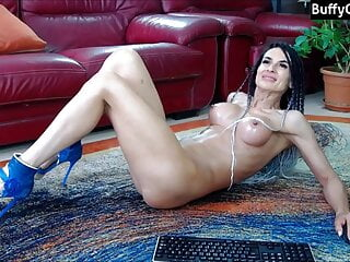 muscular milf camshow
