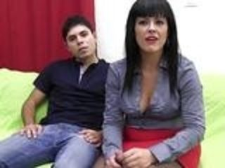 PUTA LOCURA Hot Mature Latina likes young guns