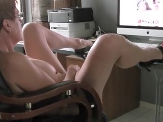 Bespectacled housewife large screen eradicate affect prime minister greatest extent obeying porn