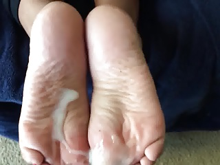 Cum On Soles Amateur Footjobs(19)