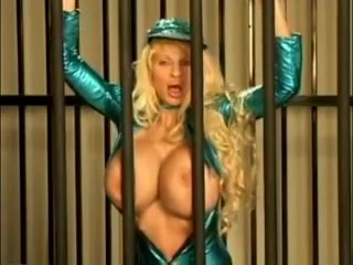 Big love bubbles in jail