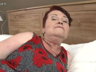 Chubby Hairy Mature Lady Getting Fucked In Pov Style - MatureNL
