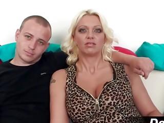 Blond wife jane Wilson gets creampied