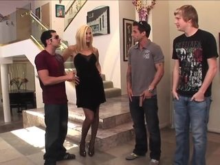 Sexy blonde milf mature in stockings fucks great