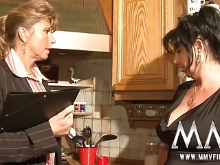 Two mature wifes sharing a cock HD