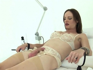 Unfaithful english mature gill ellis displays her big boobs