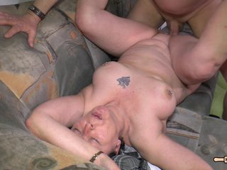 Hausfrau Ficken - Chubby German amateur granny in hardcore sex session