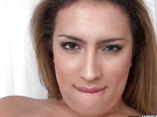 Trans MILF Gives A Steamy Solo Anal Fingering Performance