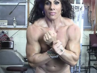 Annie Rivieccio uncovered cissified Bodybuilder near eradicate affect Gym