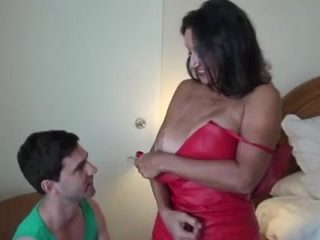 Young guy bangs a cougar's hairy pussy