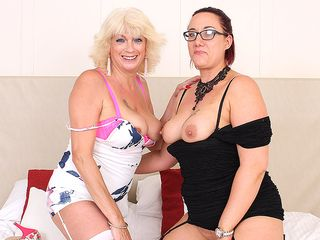 2 crazy mature women slurping and frolicking with each other