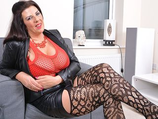 Giant jugged housewife Lulu gettng highly super-naughty