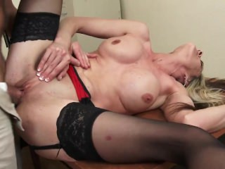 Sindy Lange Smoking Hot MILF bigwig