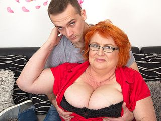 Gigantic boobed mature gal deepthroating and pulverizing