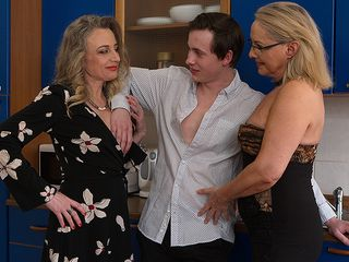 2 crazy housewives share their toyboy and get banged rock-hard