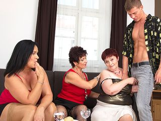 Trio ultra-kinky mature gals sharing one rock-hard pipe