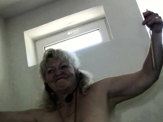 OldNanny Mature granny dancing in gym
