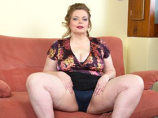 Ginormous jugged PLUS-SIZE toying with her clean-shaven cunt