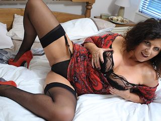 Steaming and naughty housewife truly going crazy