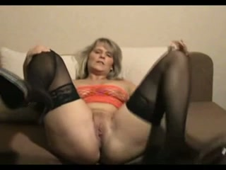 Here's another amazing jerk off instruction from this mature slut