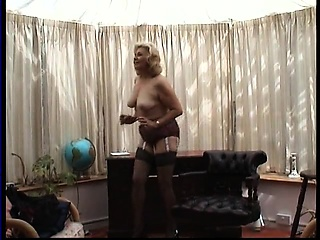 Kinky grandmother enjoys playing with liven up