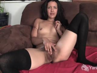 Yanks Amateur Eva Masturbating