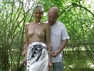 Slut in woods