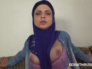 Mia Trejsi & Steve Q in Guy Punishes Muslim Tenant Who Doesn't Pay - Porncz