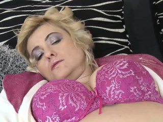 EuropeMaturE grey tow-haired son Masturbating the brush Cunt
