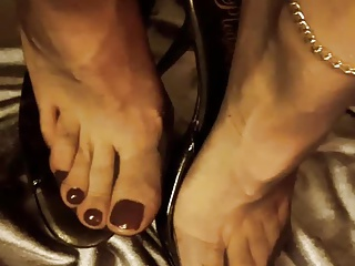 Arms NYLONS SHOEPLAY