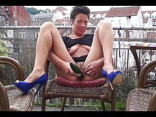 Andrea Kiss Muffin:Hairy Milf Masturbation