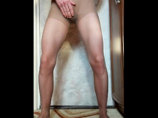 I massage my penis in pantyhose, then pee in pantyhose