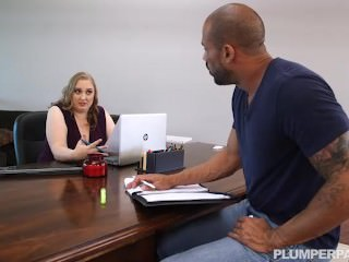 Sexy Busty BBW Boss Helps Relax her Employee