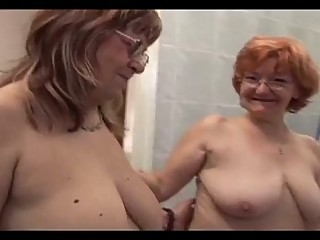 Big Lesbian Babes Try To Fuck Ea