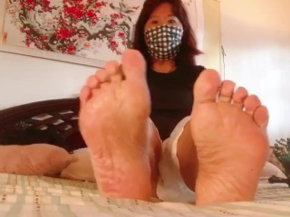 Hi Enjoy my meaty Asian soles. I'm making youtube now please subscribe